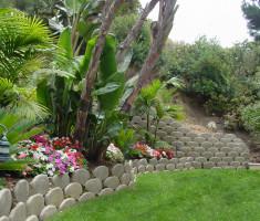 0821120545skiplaguna_verdura_garden_bed_opt